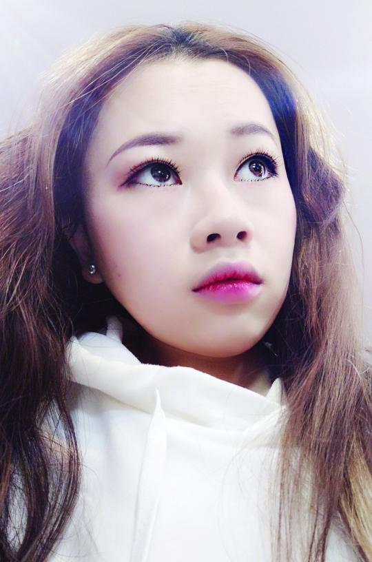 打工妹张红梅辞职来深学化妆, 23岁芳华在新时代绽放
